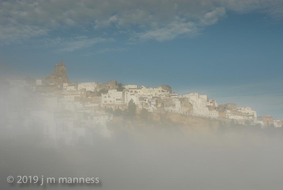 Arcos in the fog