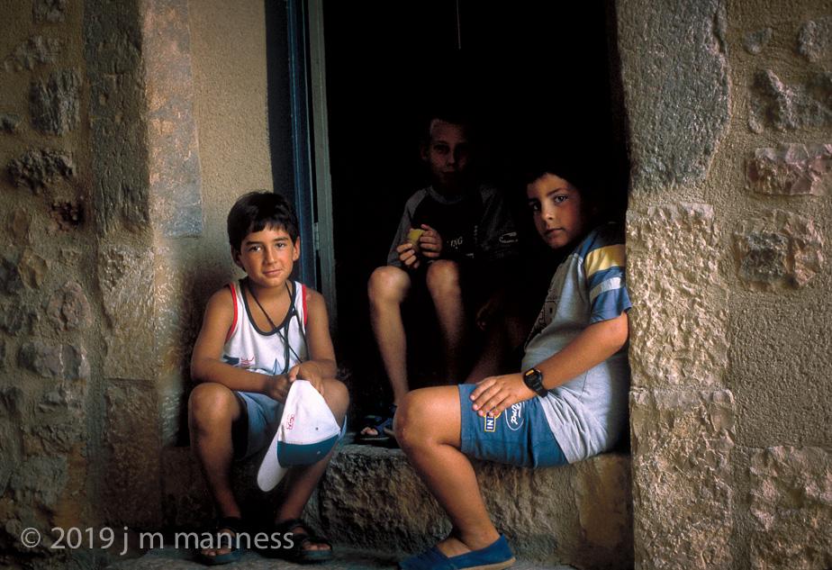 3 Boys - Alquezar, Spain